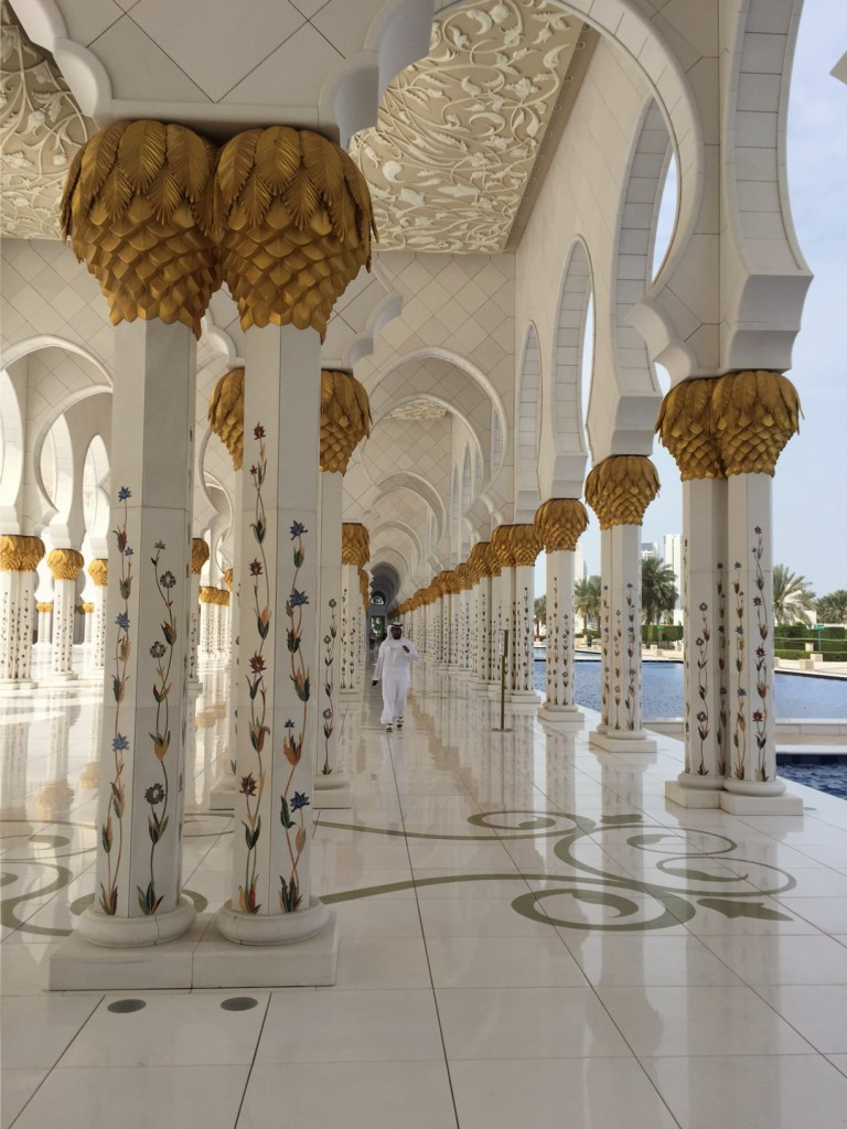 Sheikh Zayed Grand Mosque - Photo courtesy of Shirley Meerson