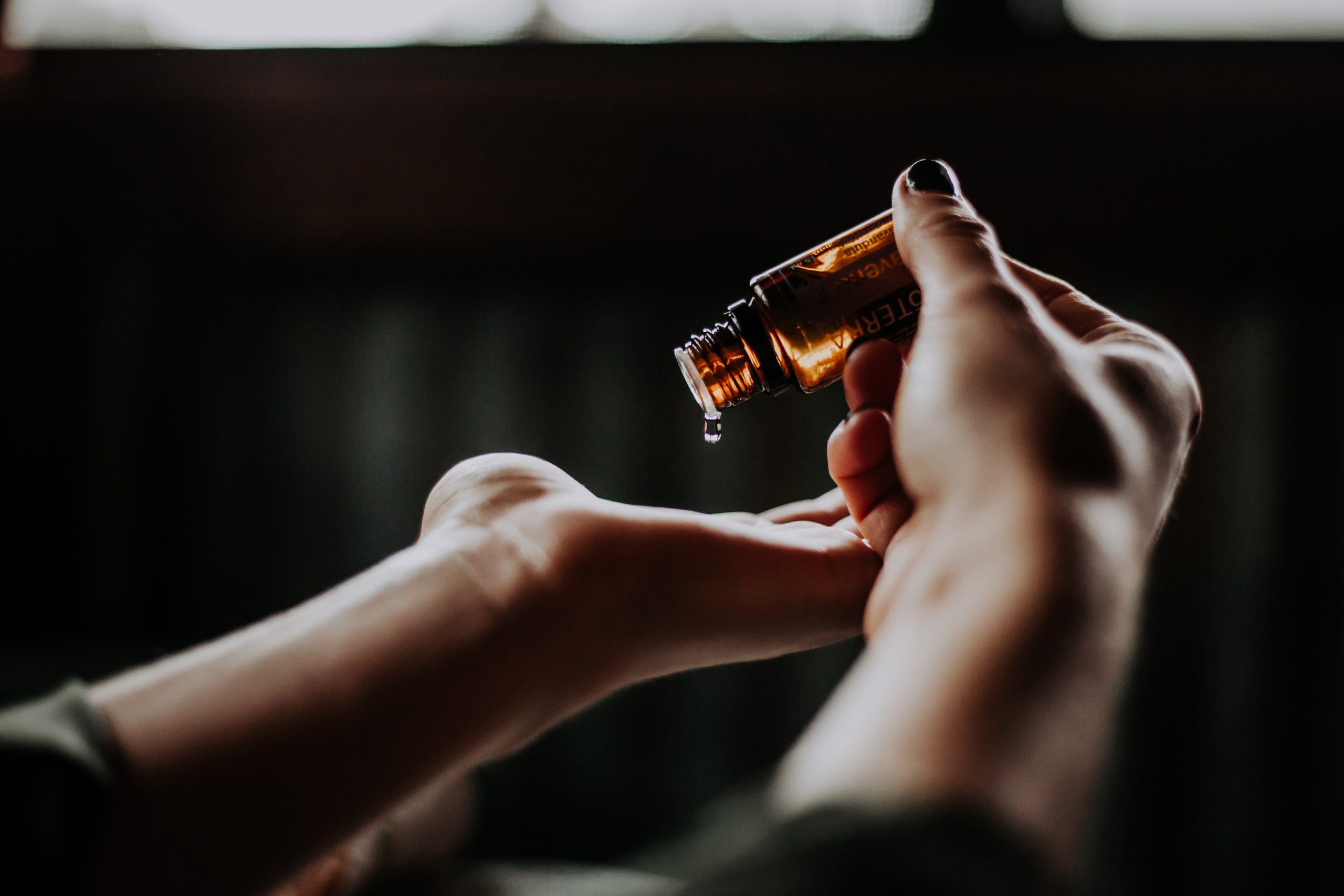 How To Tame Your High Cortisol Level With Aromatherapy | Shirley Meerson, CHWC
